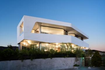 Pinnacle House LA