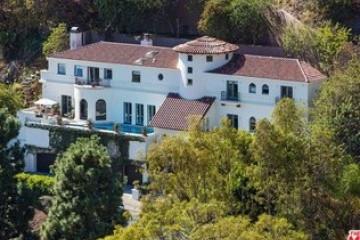 Hollywood Tuscan Villa