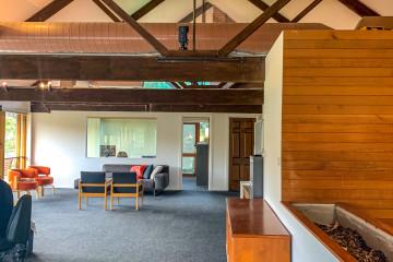 Retro office on the Yarra