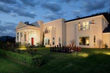 Sarabah Estate Vineyard, Tuscan Villa and Estate Grounds